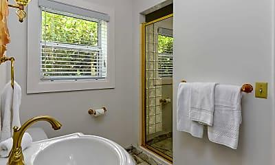 Bathroom, 301 Brazilian Ave, 2