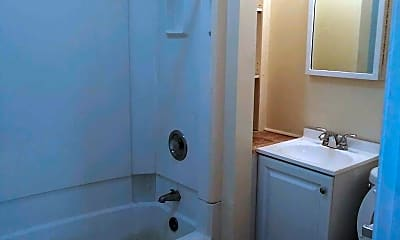 Bathroom, 2001 S 5th St, 2