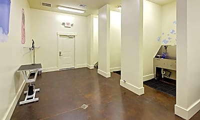 Fitness Weight Room, Lofts at Weston Lakeside Apartments, 2