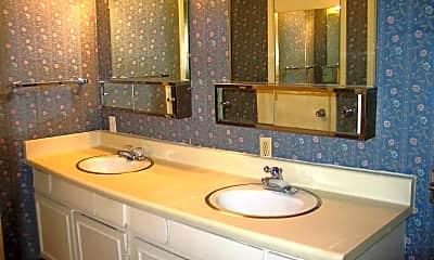 Bathroom, Heritage House Phase II, 2