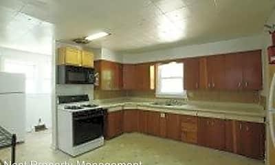 Kitchen, 402 Ronalds St, 2