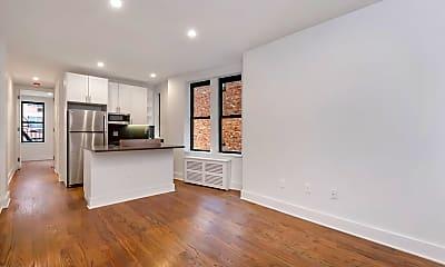 Living Room, 226 E 70th St, 1