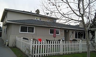 Building, 485 Firloch Ave, 2