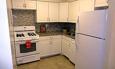 Kitchen, 1500 S George Mason Dr 21, 0