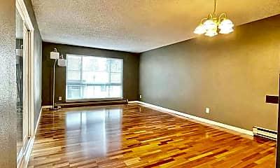 Living Room, 5832 NE 75th St, 1