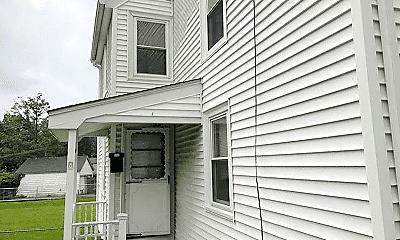 Building, 290 Copeland St, 1