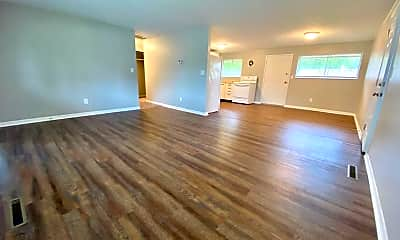 Living Room, 413 Orangewood Dr, 1