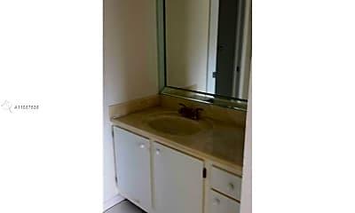 Bathroom, 900 SW 125th Way 310R, 2