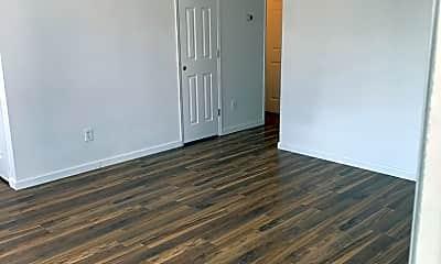 Living Room, 195 Lois Ln, 1