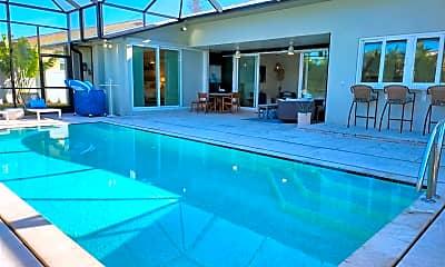 Pool, 514 Everglades Dr, 1