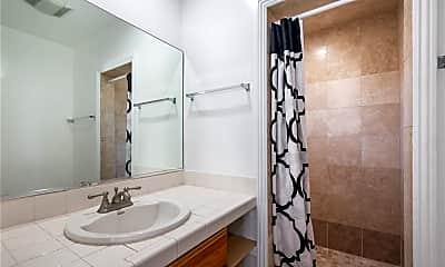 Bathroom, 3110 Military Ave, 2