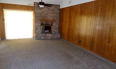 Living Room, 5409 Castle Rd, 1