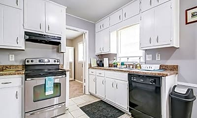 Kitchen, Room for Rent - PadSplit Decatur Greater, 0