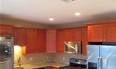 Kitchen, 32 Main St 3, 2