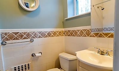 Bathroom, 3013 Fort Hamilton Pkwy 3-R, 2