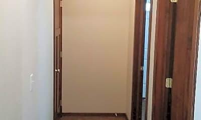 Bathroom, 1012 2nd St E, 2