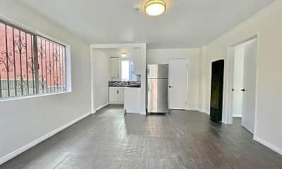 Living Room, 2605 Michigan Ave, 0