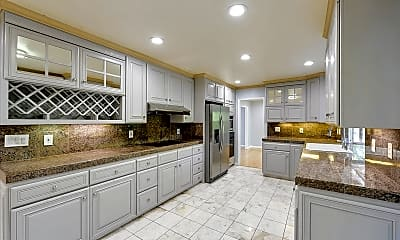 Kitchen, 5481 Kaveny Dr, 1