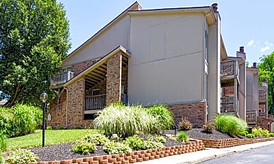 Building, Pinetree Apartments, 1
