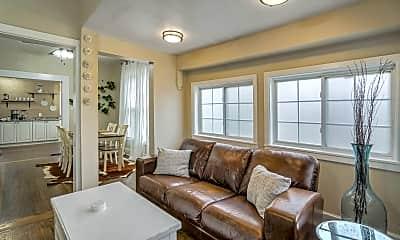 Living Room, 520 W Pikes Peak Ave, 1