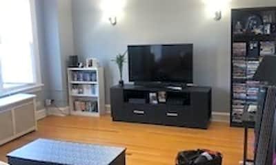 Living Room, 5237 N Ashland Ave 3, 1