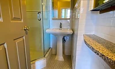 Bathroom, 421 Hanover St, 2
