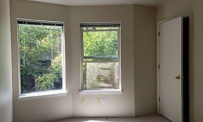 Bedroom, 2001 Garden Ave, 2