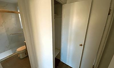 Bathroom, 2264 Webster Ave, 2