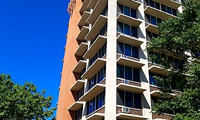 Brentwood Tower, 0