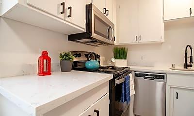 Kitchen, 2144 Royal Dr, 1