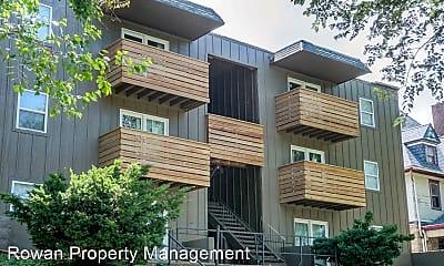 Building, 423 Maple Blvd, 2
