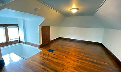 Bedroom, 167 E Oakland Ave, 2