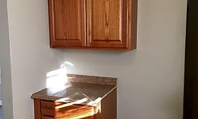 Kitchen, 908 E 8th St, 1