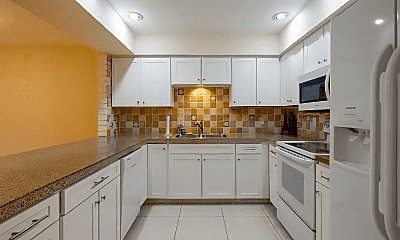 Kitchen, 1425 SW 25th Ave, 1