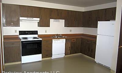 Kitchen, 4500 Parkview Dr, 2