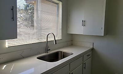 Kitchen, 2160 Magnolia Ave, 2