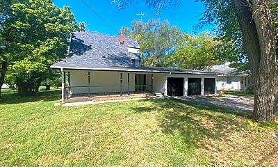 Building, 5715 N Farm Rd, 1