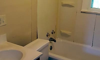 Bathroom, 707 8th Ave SE, 2