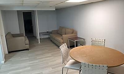 Patio / Deck, 305 W 18th St B, 2
