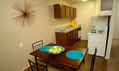 Dining Room, Village Oaks, 0