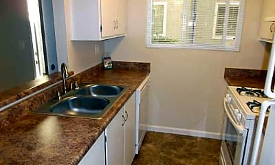 Kitchen, Menlo Pointe, 1
