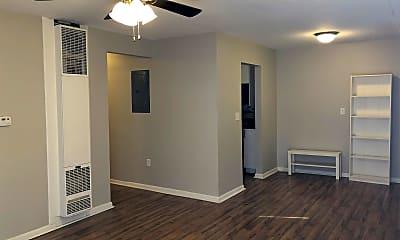 Bedroom, 165 E Leslie Ave, 1
