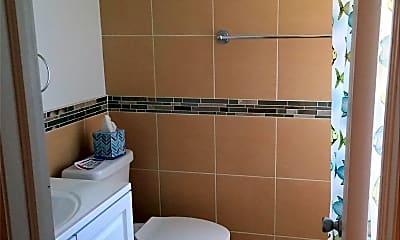 Bathroom, 504 E Chester St, 2
