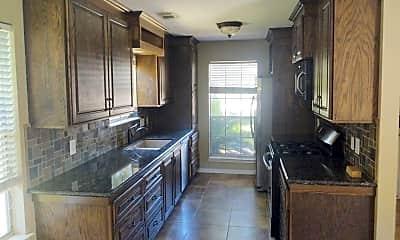 Kitchen, 4735 Hawthorne St, 1