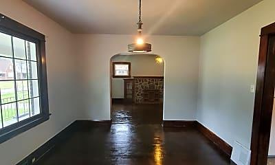 Living Room, 36 W Avondale Ave, 1