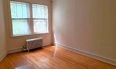 Living Room, 4909 N Glenwood Ave, 1