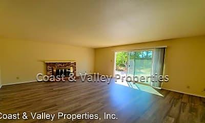 Living Room, 768 Glen Eagles Dr, 1