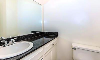 Bathroom, Buena La Vista Apartment Homes, 2