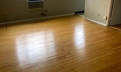 Living Room, 213 McKnight Cir, 0