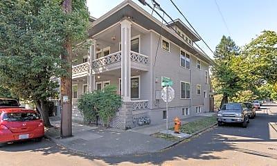 Building, 2323 NE Rodney Ave, 1